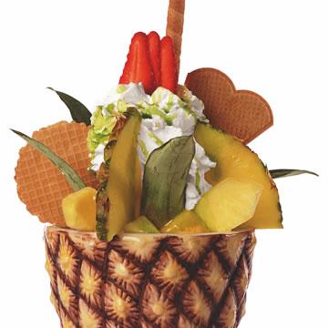 Ananass-Becher